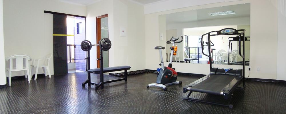 Sala de ginástica e sauna.